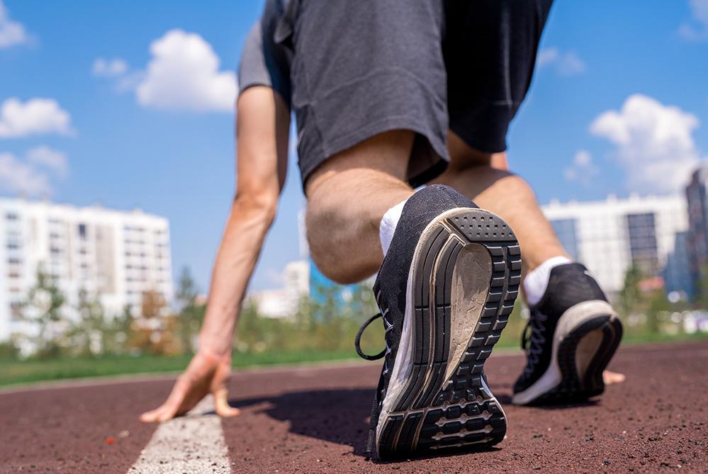 O primeiro passo para vencer uma corrida é sair da linha de partida.